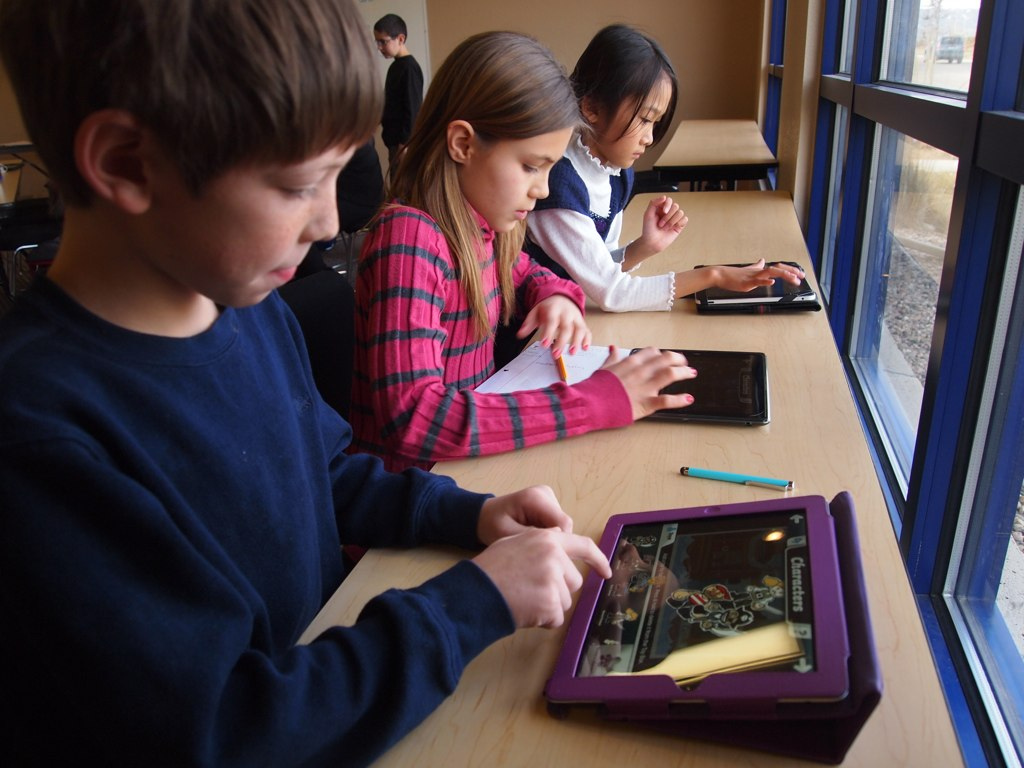 Students Can Improve Their Education Using Their Smartphone