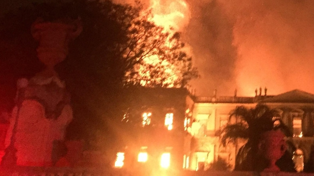 Fire engulfs the National Museum of Brazil