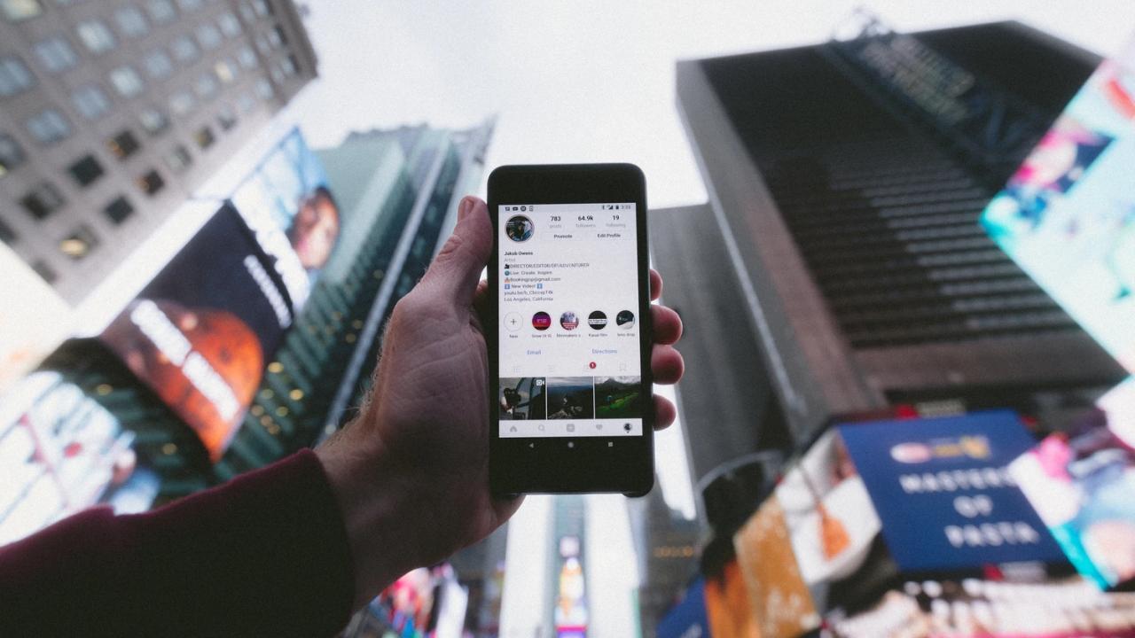 Social media in the city